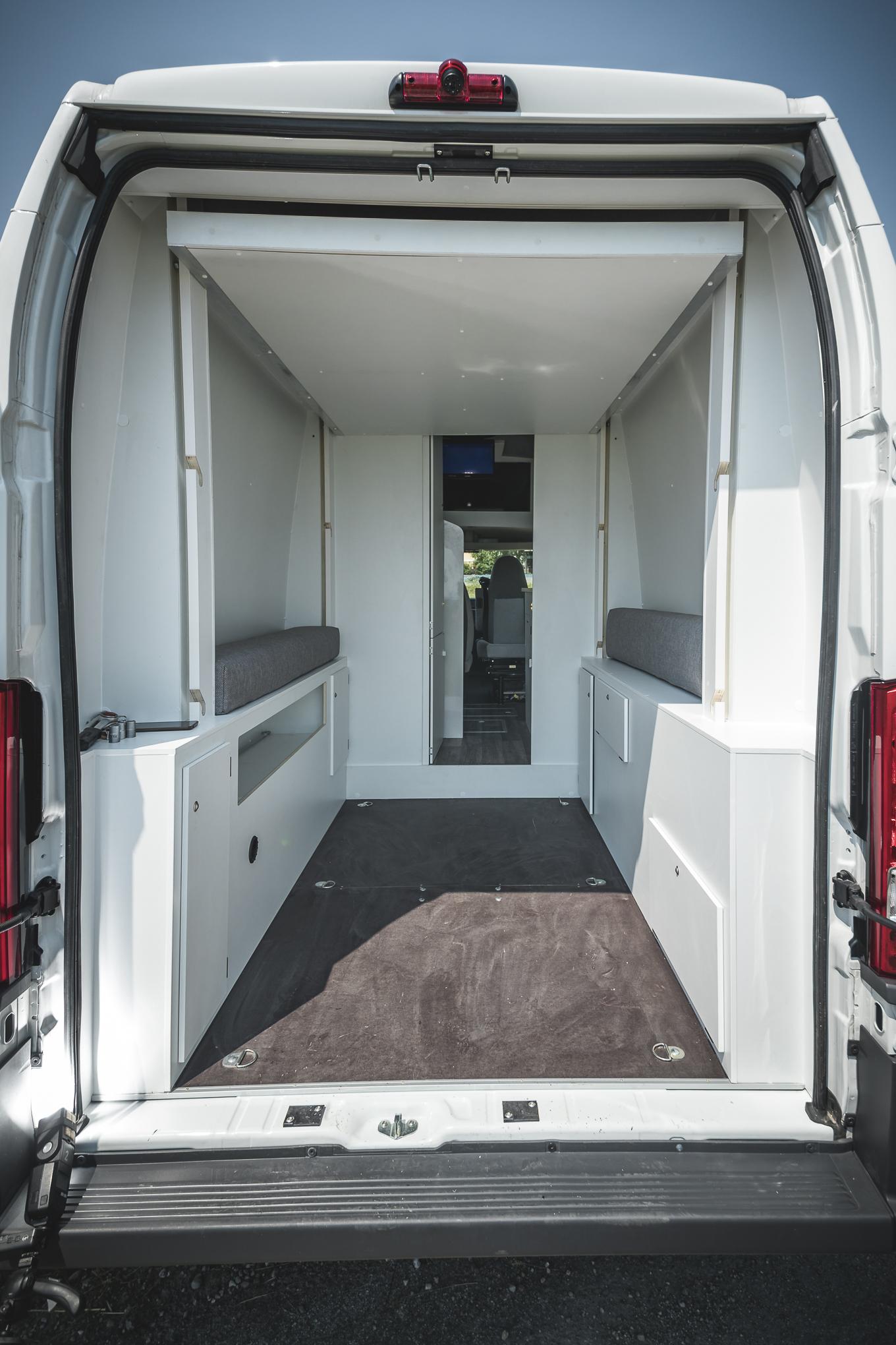 Kastenwagen Umbau Transporter Renntransporter Vr Motorhomes