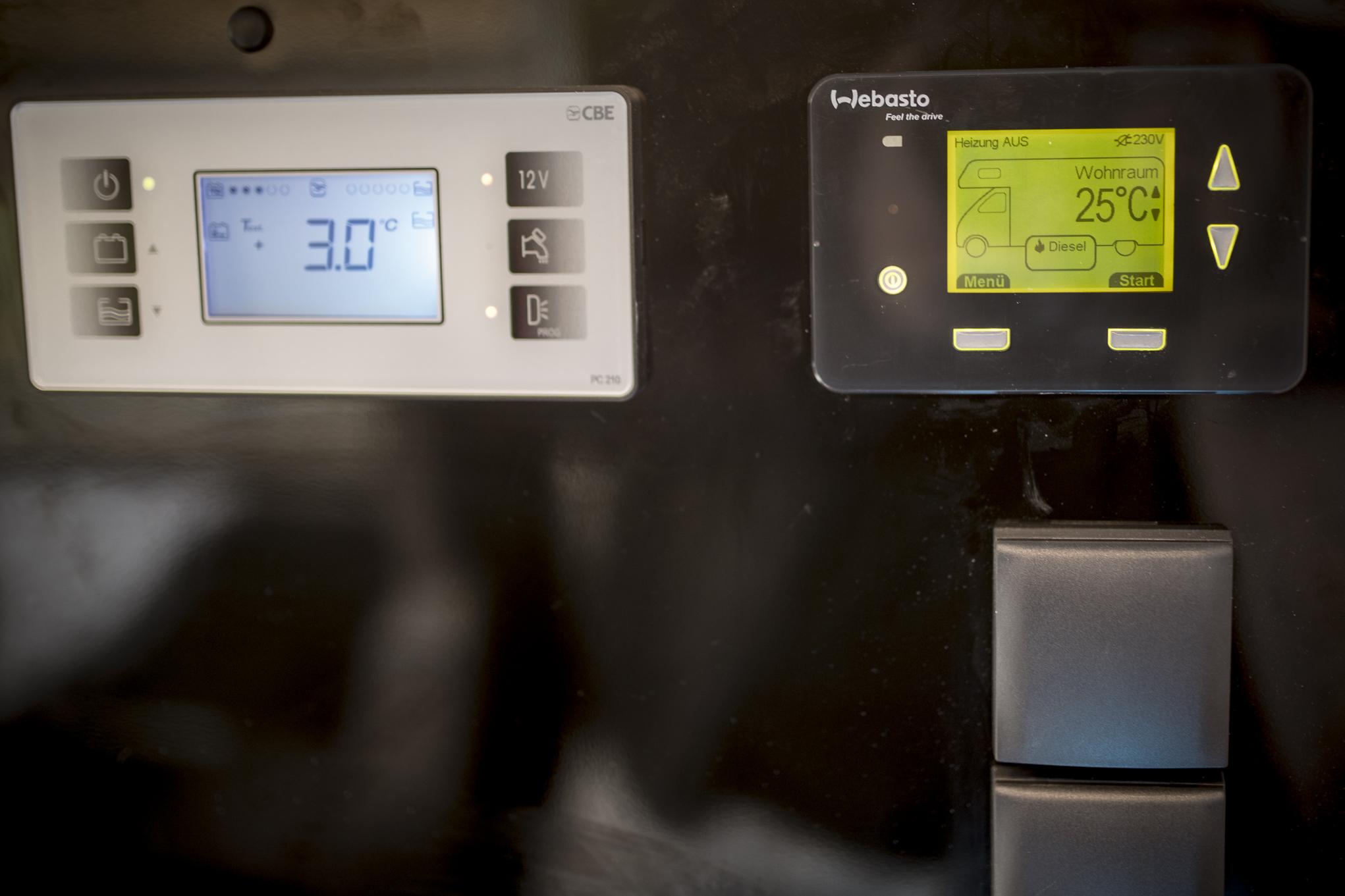Digitales Panel, Webasto Dual TOP EVO8 8Kw Heizung, 2KW mit Strom, 6Kw mit Diesel ! 220v Steckdosen durch 3kw Wechselrichter!