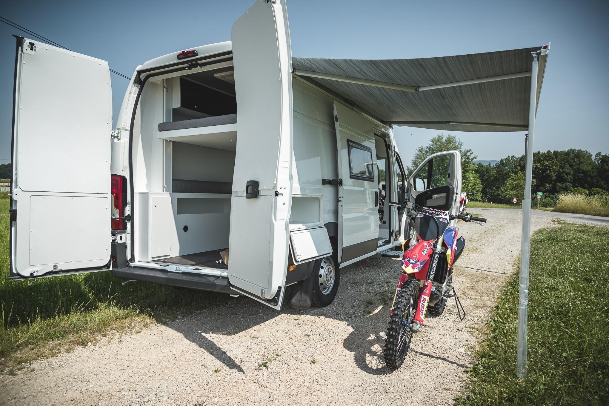 kastenwagen umbau transporter renntransporter vr motorhomes. Black Bedroom Furniture Sets. Home Design Ideas