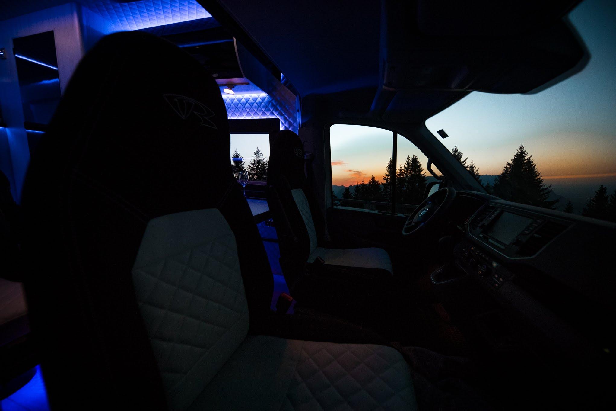 tv im camper fernseh im kastenwagen wohnmobil alphatronics smarthome vr motorhomes