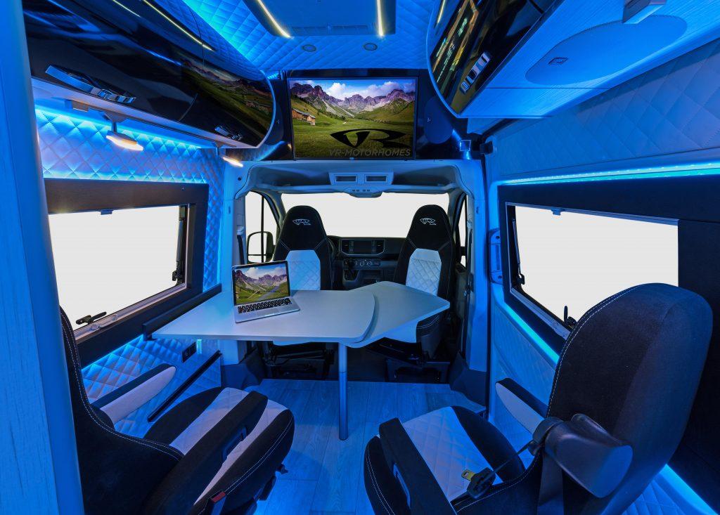 tv im camper fernsehen im kastenwagen wohnmobil alphatronics smarthome vr motorhomes