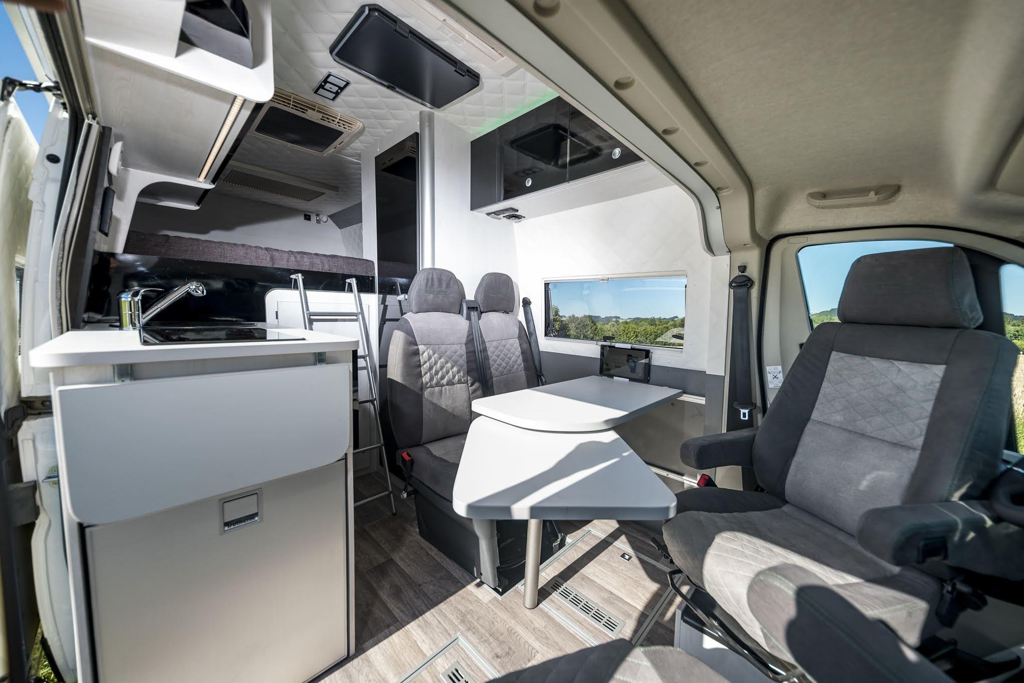 motorradtransporter mit heckgarage wohnmobil. Black Bedroom Furniture Sets. Home Design Ideas