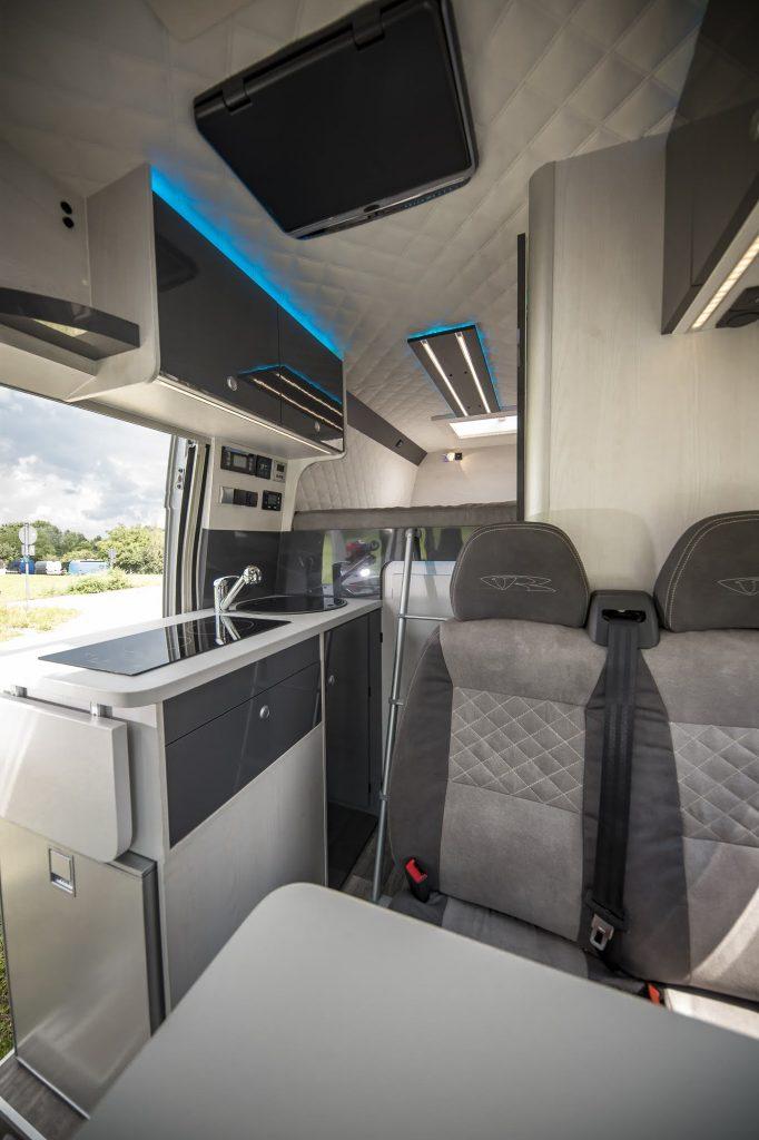 alphatronics TV LED ambiente vw t6 california beach multivan volkswagen citroen jumper fiat ducato