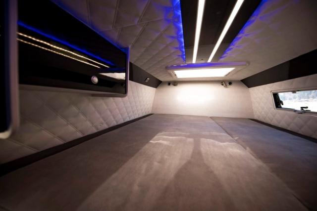 großes bett über der Garage beheizt von unten VR motorhomes USB LED lichter 12v lüfter angenehme Mattratze