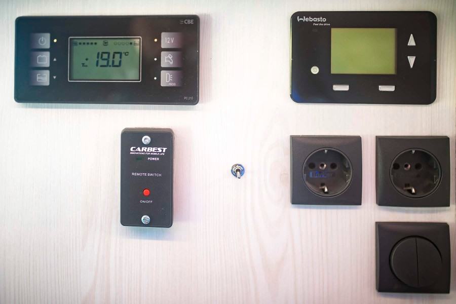 VRM Bedienung clever carbest webasto dual top evo 8 fernbedienung app solar votronic vr motorhomes kastenwagen extra klasse