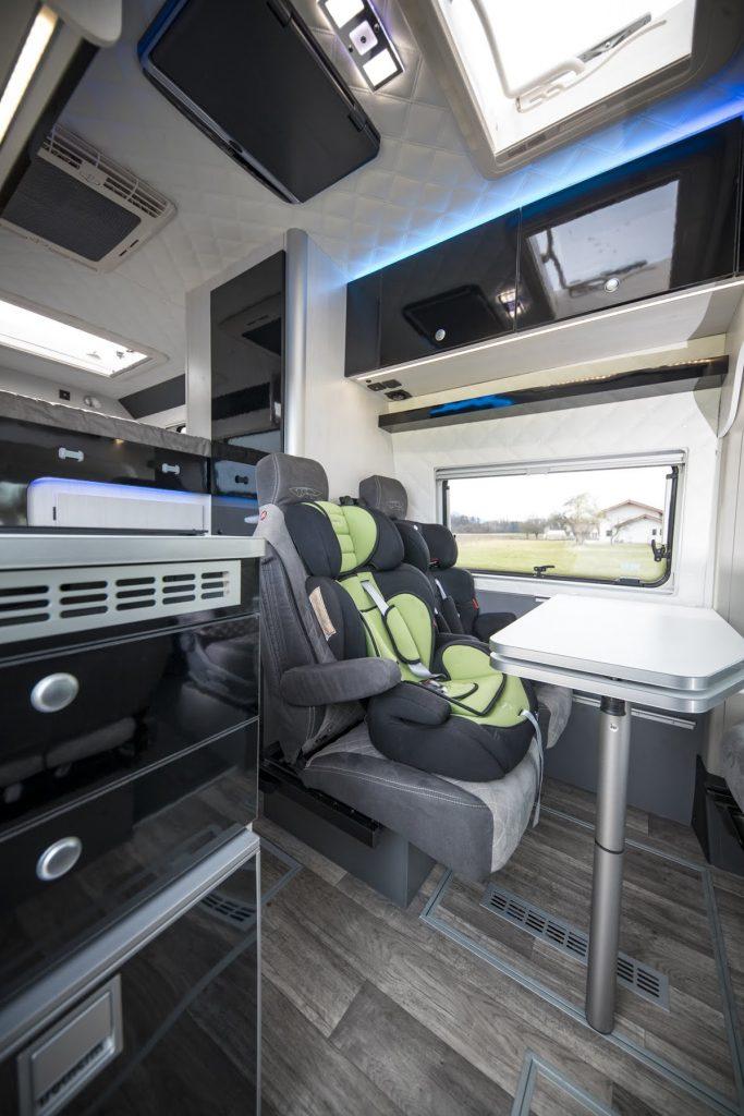 Camper Doppelsitzbank verstellbar superbequem ISOFIX kinderfreundlicher camper