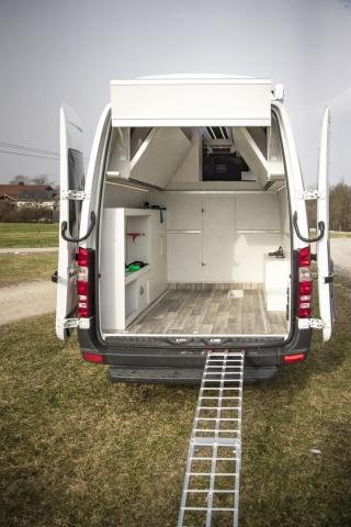 VR motorhomes Klappbett exklusive luxus camper mit weltweit größten Garage! heckgarage camping caravan