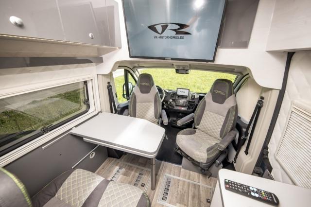 VR design interior greygreen graugrün alphatronics 32zoll  camper renntransporter motorhome van