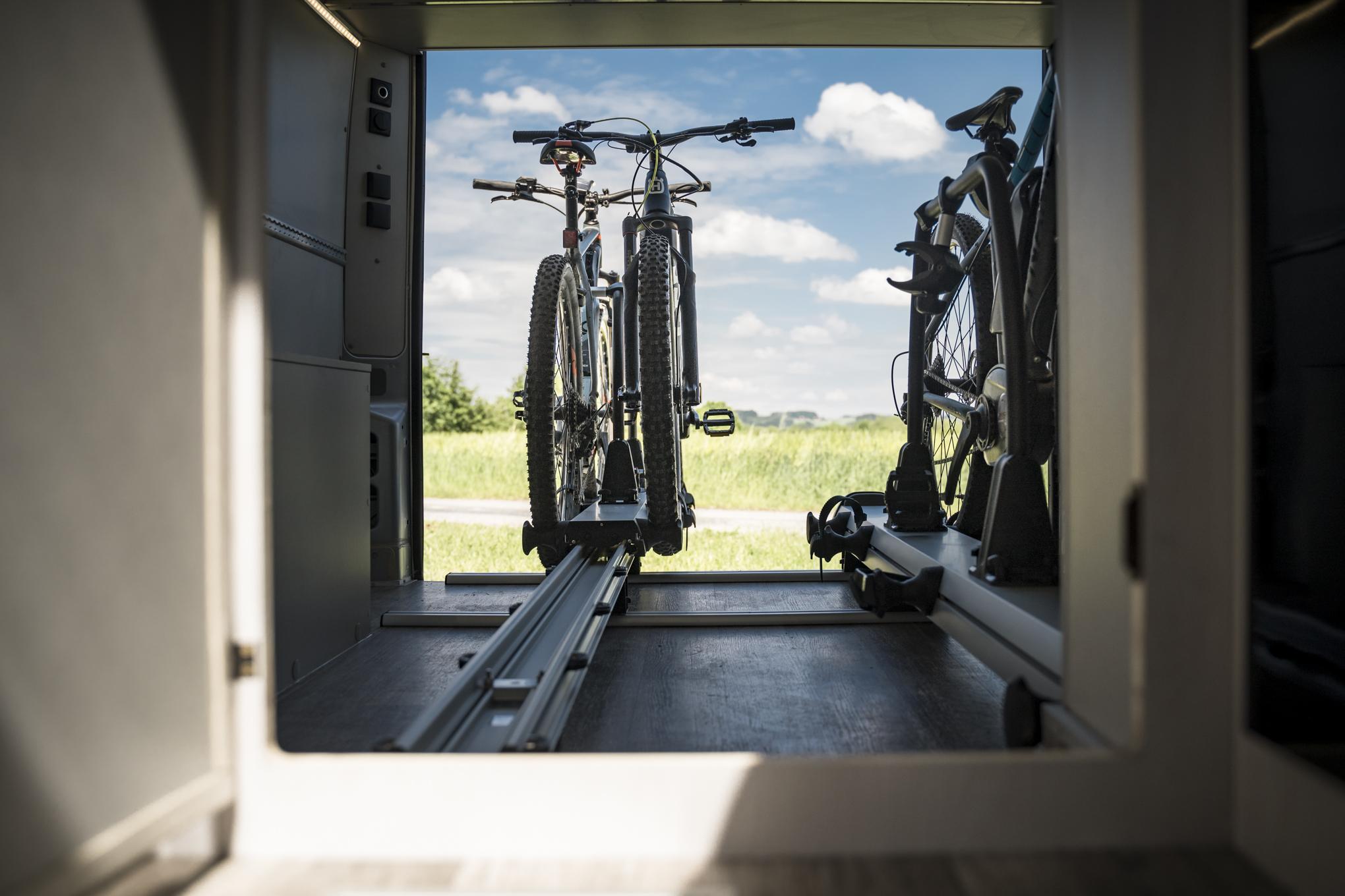 fahrradtraeger fahrradträger fahrradständer für camper wohnmobil kastenwagen slideout thule veloslide