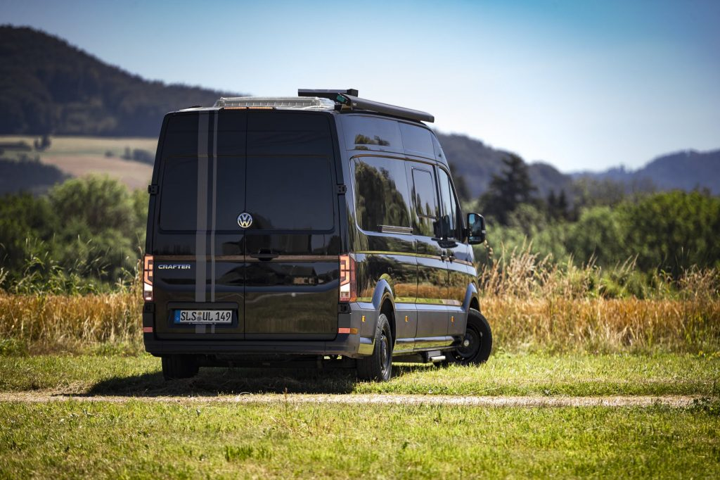 VW Crafter Compact Racecamper