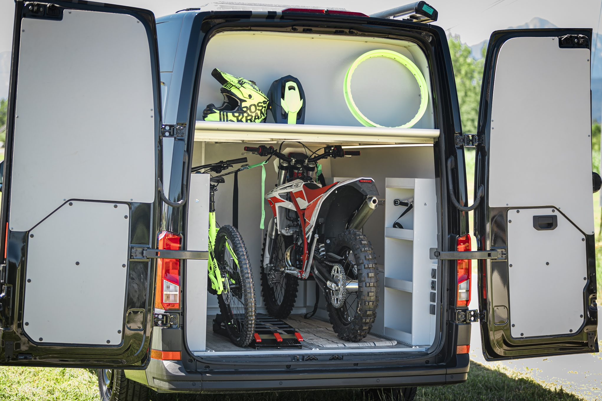 VW Crafter Compact Heckgarage