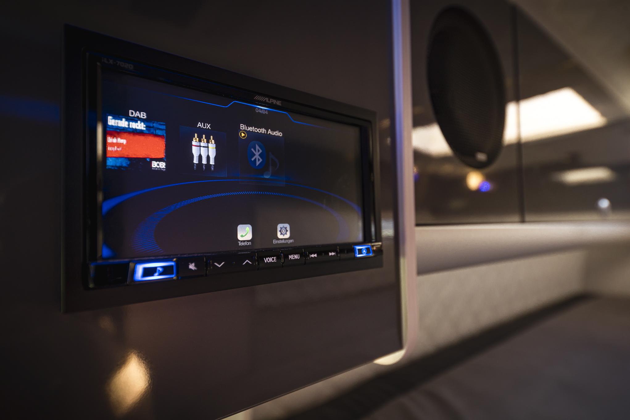 MAN tge multimedia surround system