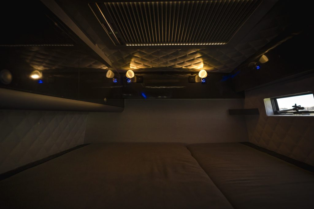VR Bed bett interior alkantara alcantara luxus camping