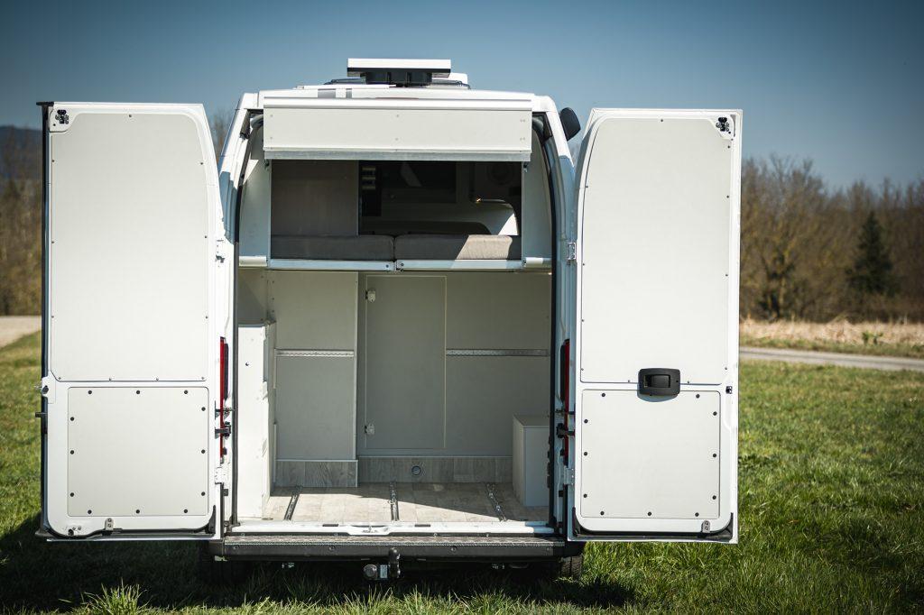 Heckgarage camper Racevan renntransporter GS bmw KTM im Camper ebike garage foldingbed klappbett