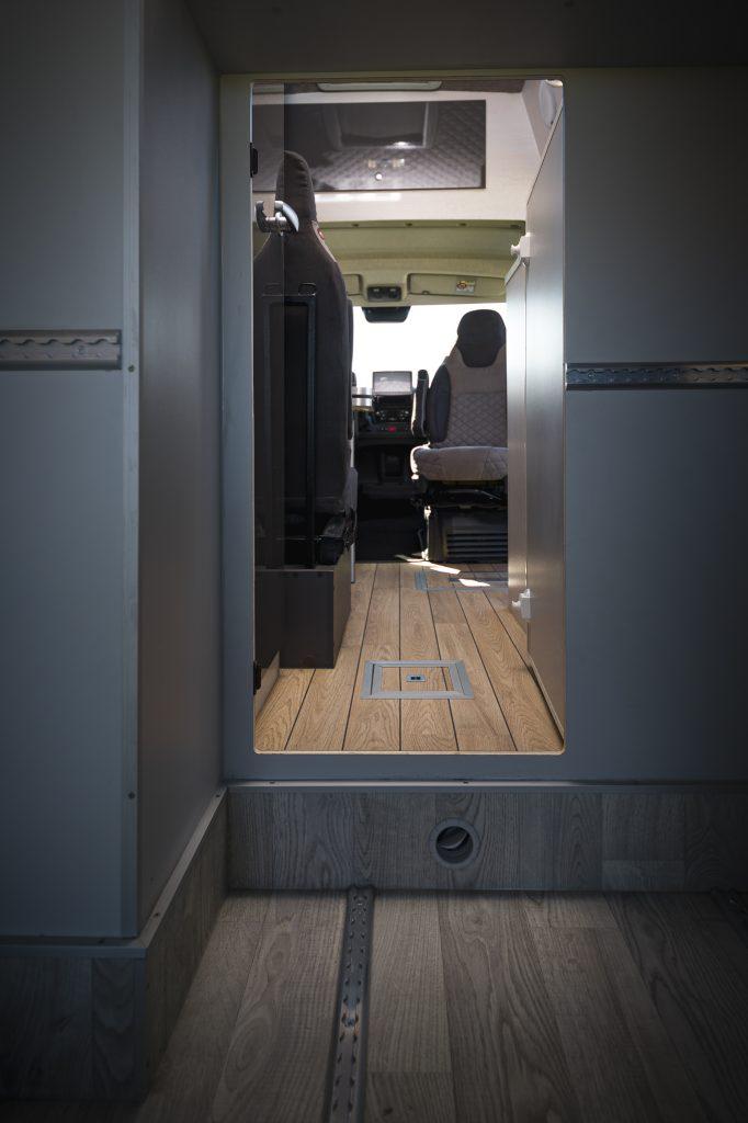 vr motorhomes campervan garage heckgarage VR klappbett superleicht campingbett