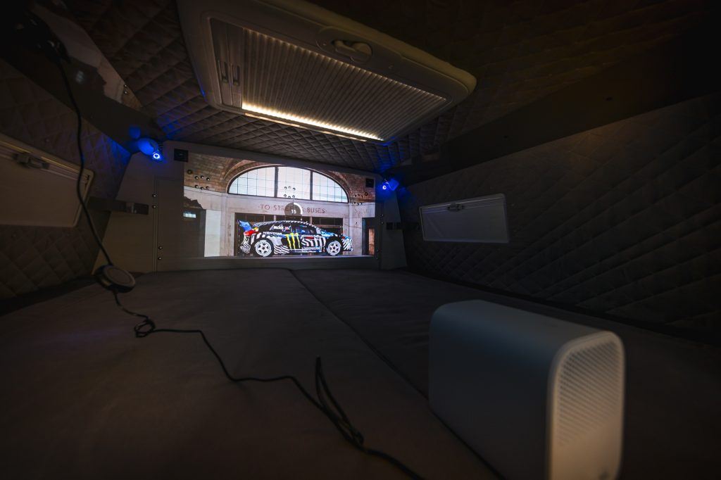 wohmobil Camping beamer soundsystem bluetooth