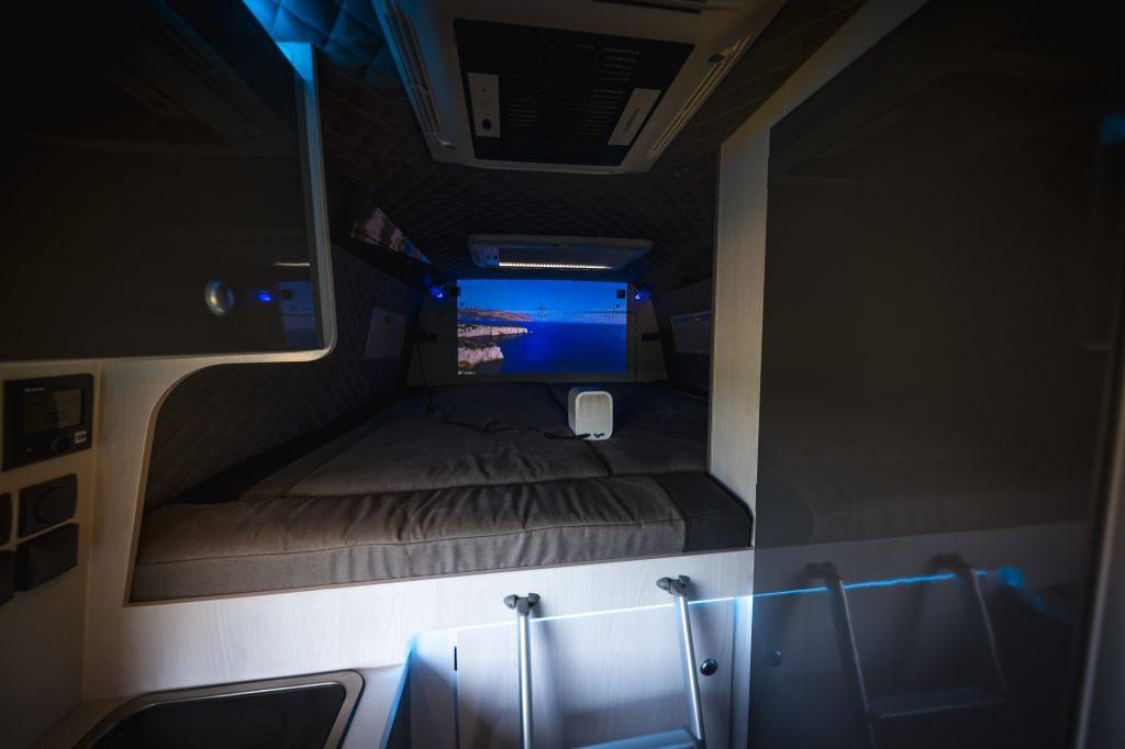 VR design interior alkantara alcantara  beamer im camper projector im wohnnmobil