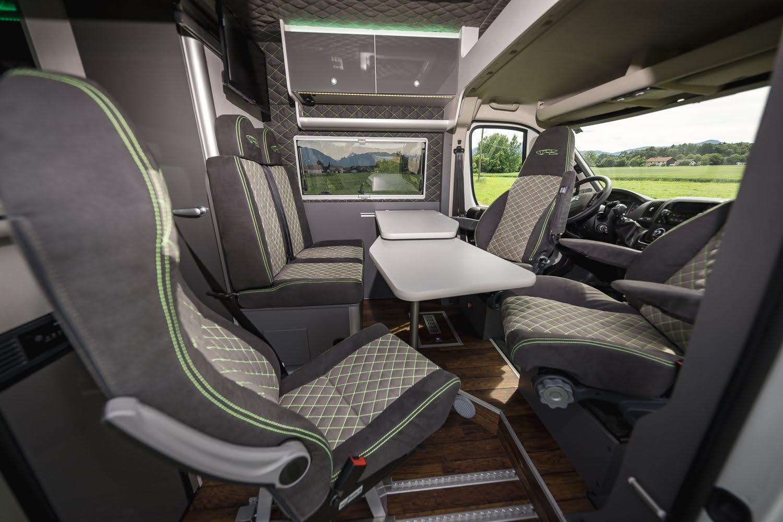 Racevan mit 5 Sitzen