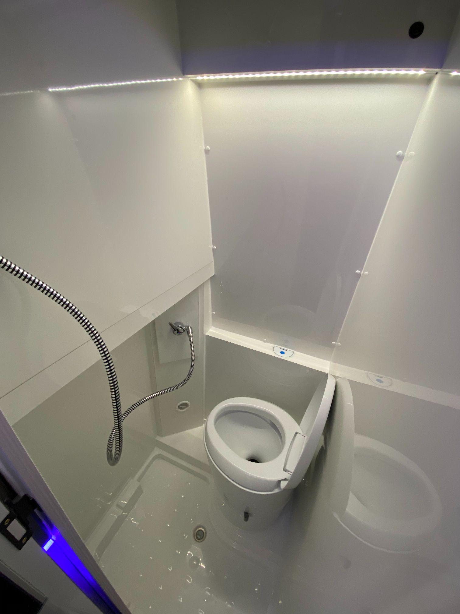MAN M6 Toilette