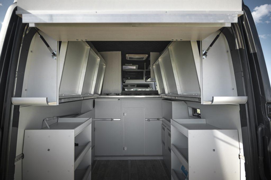 MAN Lang – Garage aufgeklapptes Bett aufgeklapptes Helmfach - VR Motorhomes 2022