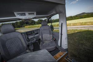 MAN TGE – drehbare Pilotensitze3 - VR Motorhome 2022