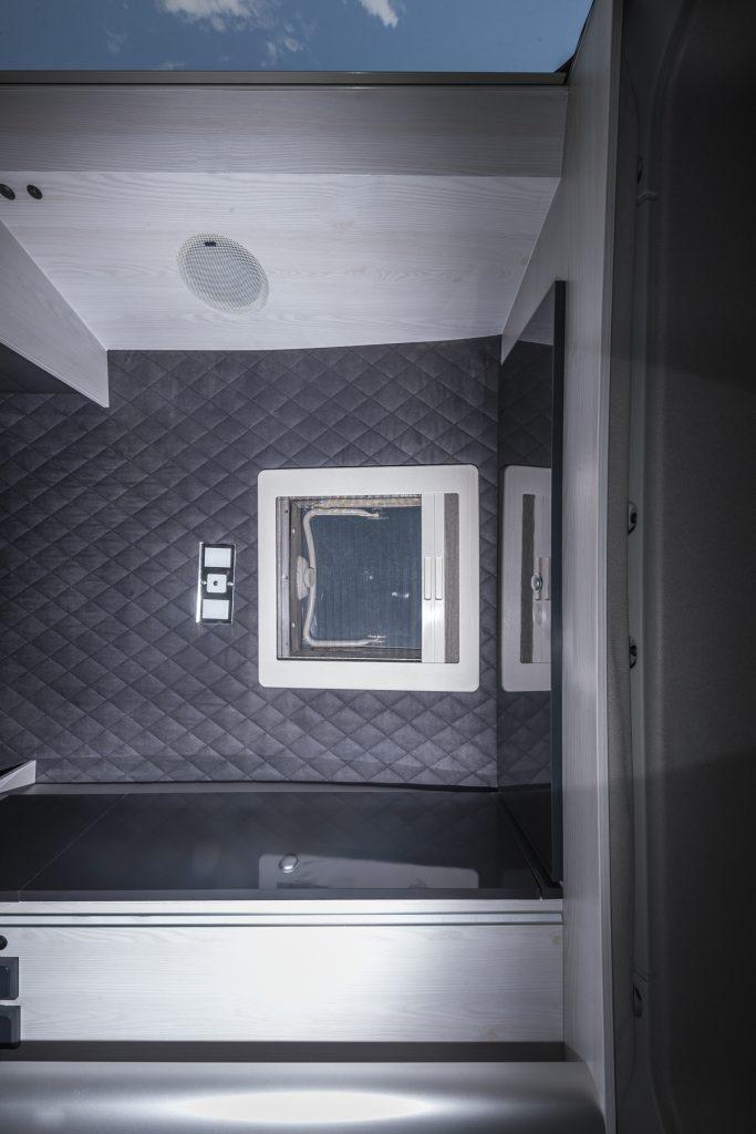 MAN Lang – Himmelansicht2 Mini Heki LED Focal Speaker - VR Motorhome 2ß22
