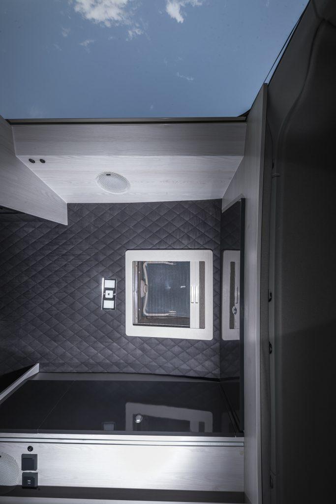 MAN TGE - Himmelansicht Mini Heki Focal Speaker LED - VR-Motorhomes 2022