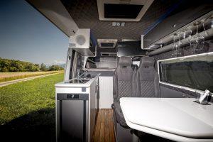 messe düsseldorf 2021 interior design winner 2022 2023 camper wohnmobil VR Vans man with the vans